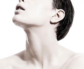 Miti in resnice o ženskih prsih