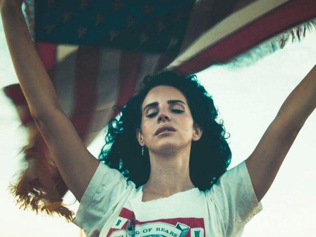 Lana Del Rey navdušila z novim singlom 'Honeymoon' - Foto: profimedia