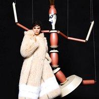 Kendall in Lily v jesenski kampaniji za Fendi (foto: Fendi promo)