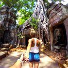 FOTO: Par, ki je s svojimi dopustniškimi fotografijami obnorel Instagram