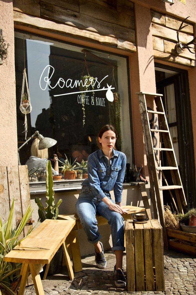 Avokado in dekleta na robu ženskosti - Foto: komposter.si