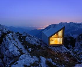 Se odpravljate na izlet v Kamniško-Savinjske Alpe? Obiščite novo zatočišče - Bivak pod Skuto