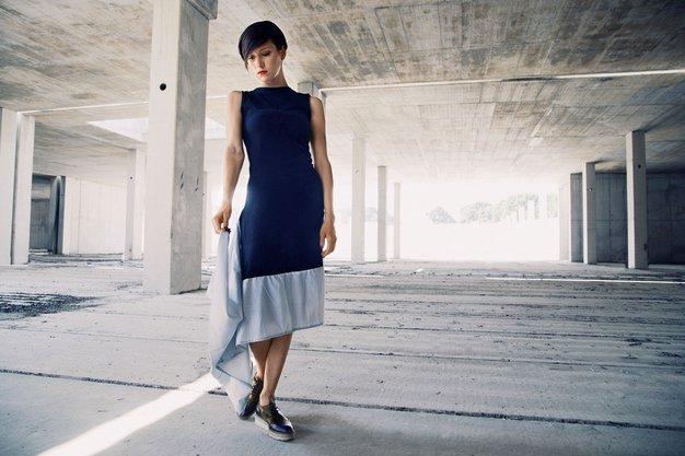 Lara Bernot - mlada oblikovalka, ki je svojo pot začela z oblekami za barbike - Foto: Urška Pečnik
