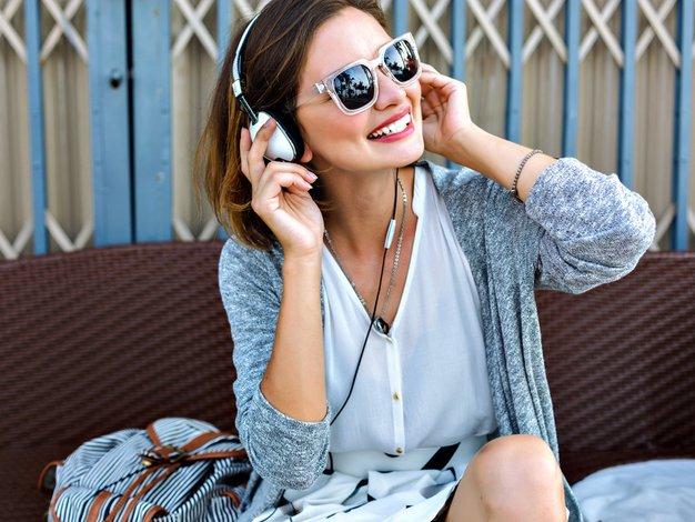 Top 5 skladb za uživanje v zadnjih poletnih dneh (po izboru Elle) - Foto: Shutterstock