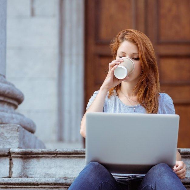 Prijave za 1. konferenco (lepotnih) blogerk odprte! - Foto: Profimedia