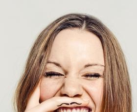 Katera metoda za odstranjevanje dlačic na obrazu je najučinkovitejša?