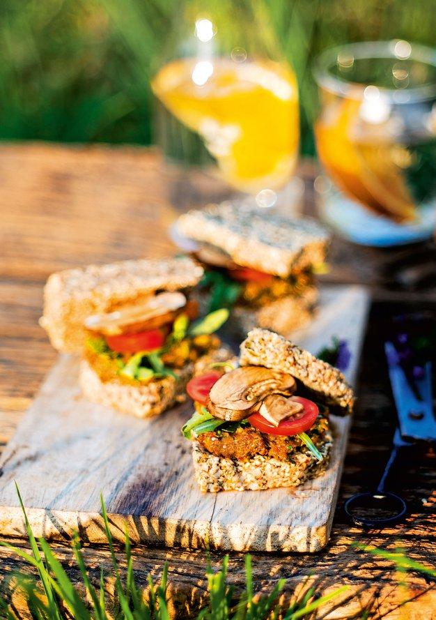 Odličen recept za presni sendvič z avokadovim namazom - Foto: revija Čarovnija okusa