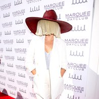 Sia nas je navdušila z novim singlom 'Alive'. Poslušajte ga! (foto: profimedia)