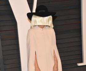 Sia nas je navdušila z novim singlom 'Alive'. Poslušajte ga!