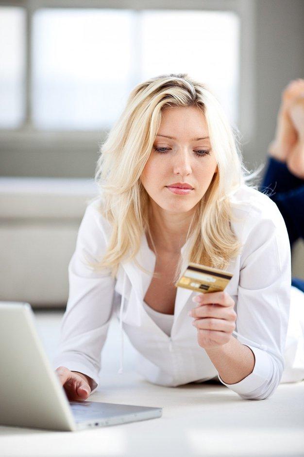 Vse, kar morate vedeti za varno spletno nakupovanje - Foto: profimedia
