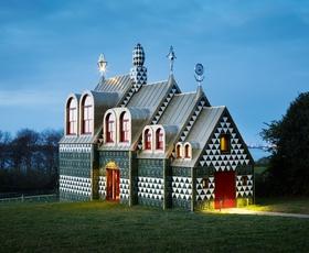 Počitniška hiša, v kateri boste zaživeli s sodobno umetnostjo