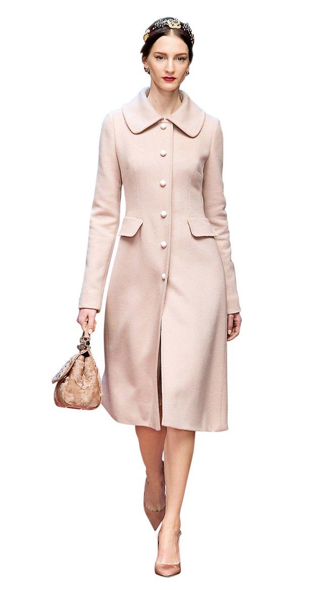 V trendu je jesenska moda v odtenkih rožnate - Foto: Imaxtree, profimedia