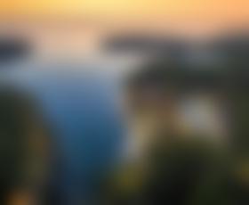 Odkrijte spomladanske čare luksuznega zaliva Čikat