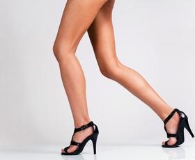 5 nasvetov, kako (elegantno) hoditi v petah