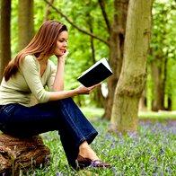 6 knjižnih novosti za tople spomladanske dni - tudi podarjamo! (foto: Profimedia)