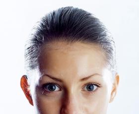 Ličenje: Kako lahko zmanjšate pore v treh korakih