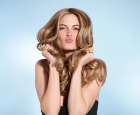 5 nasvetov mednarodne stilistke za večji volumen las