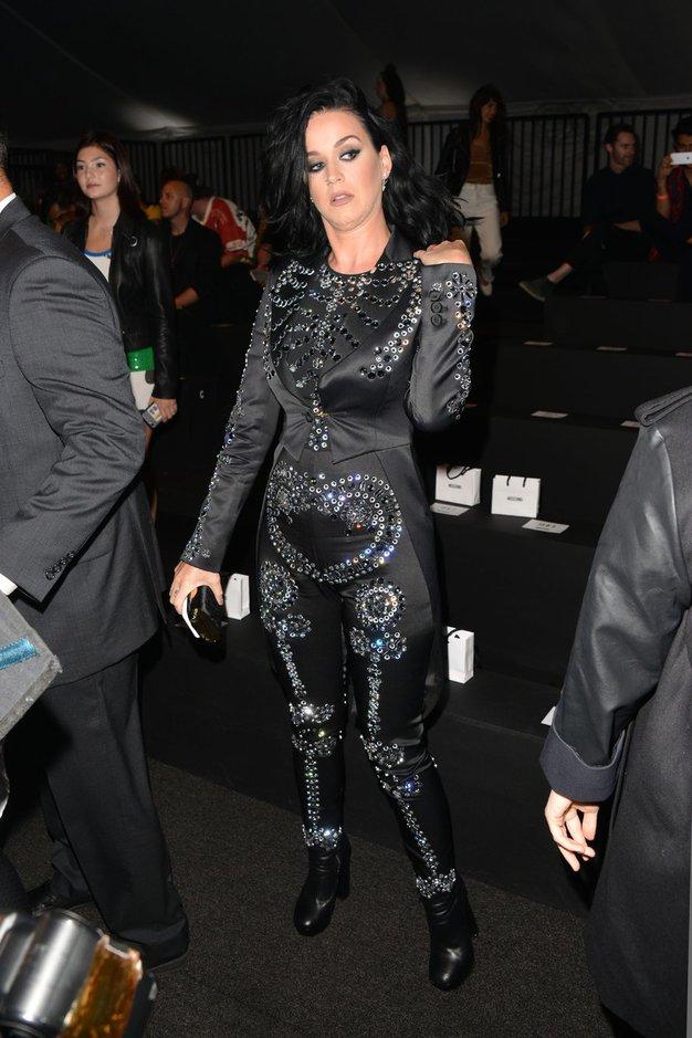 Dogodek je v tipičnem L.A. slogu pritegnil številne znane osebnosti. Med drugim tudi Katy Perry.