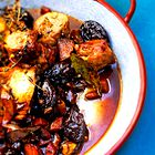 Elle recepti: Svinjski file v omaki iz suhih sliv s kruhovim cmokom