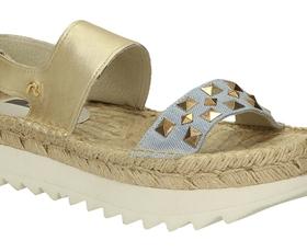 Kakšne čevlje obuti to poletje?