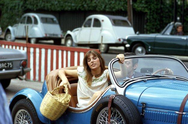 """Jane Birkin: """"Vedno nosim cekarje, ker nikakor ne morem najti dovolj velike torbice ..."""" - Foto: Profimedia"""