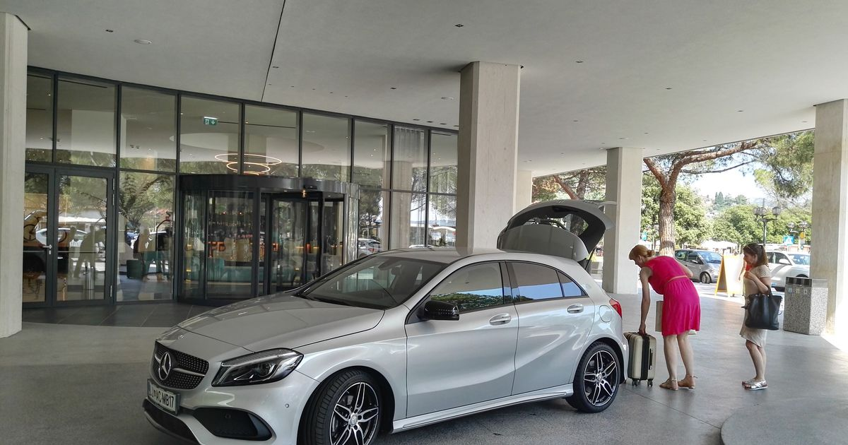 Na morje z mercedes benz a 200 d 4matic for Mercedes benz na