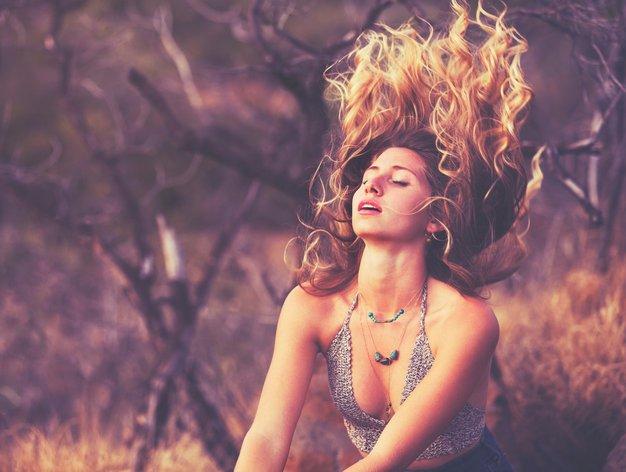 5 nasvetov, da bodo vaši lasje tudi poleti skrbno negovani in sijoči - Foto: Profimedia