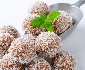 Elle recepti: Slastne kokosove kroglice