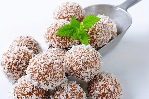 Elle recepti: Slastne kokosove kroglice - Foto: Profimedia