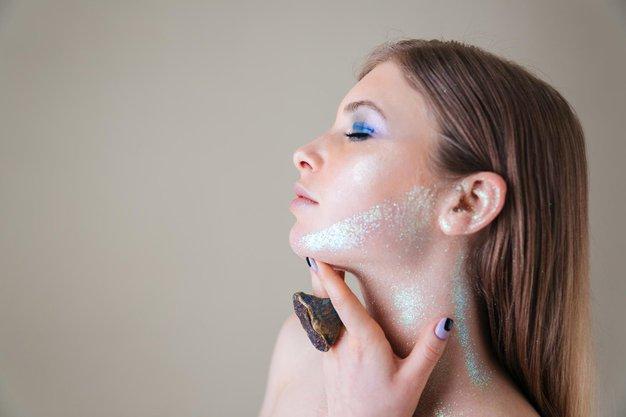 Revolucionarni organski izdelek v kozmetični industriji: Maska s čebeljim strupom - Foto: Profimedia