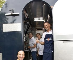 Polona in Martina pripravili 16 različnih jedi in prevozili že 5.097 kilometrov