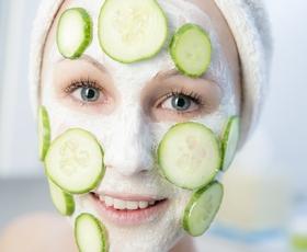 4 preprosti koraki za učinkovito nočno regeneracijo kože v zimskih mesecih