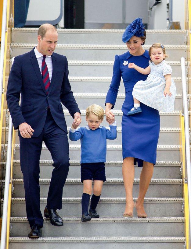 Z njima sta bila tudi njuna otroka, triletni princ George in leto dni stara princeska Charlotte. To je njun drugi …