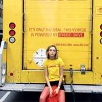 Novi trend: Kultne DHL majice = statusni simbol v modni industriji (foto: PrtSc Instragram @blancamiro)