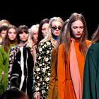 Spoznajte napredni retro ali Ko se po modni pisti sprehodijo Guccijeva dekleta