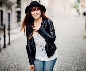 Katarina Veselič: Fotografinja, ki v objektiv lovi trenutke in se prepušča življenju