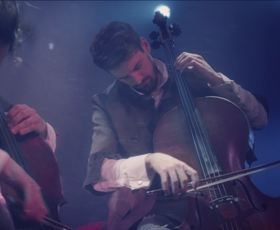 VIDEO: Morate videti nov videospot 2Cellos za skladbo Show must go on!