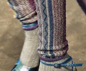 Nogavice: Nekoč so jih nosili in razkazovali le športniki, danes pa ...