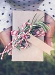 Kako zaviti darila, če nimate papirja