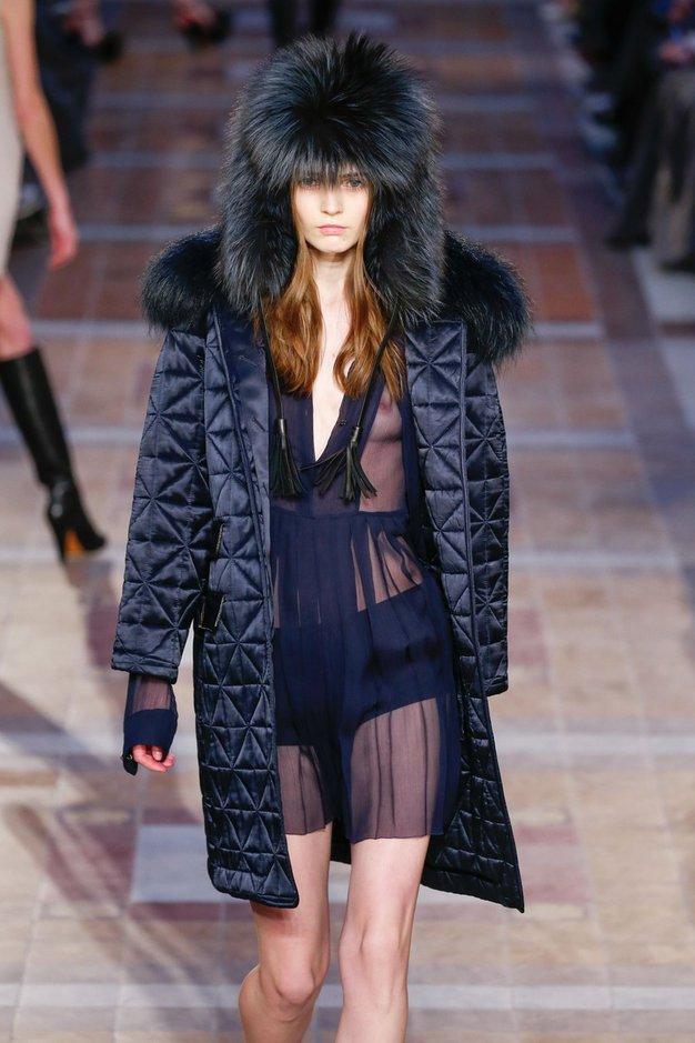 Z novimi modnimi bundami v glavni modni vlogi smo lahko varni tudi, če gremo na skrajni sever ...