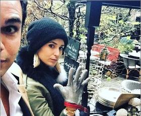 Vas zebe? Slavni priporočajo takšne zimske rokavice!