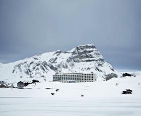 Zimska pravljica: 5 top gorskih smučarskih oddihov