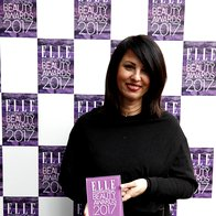 Nagrado je v imenu Shiseida prevzela Tanja Šumi, Orbico Beauty. (foto: Helena Kermelj)