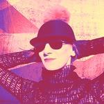 CLICHE - Znamka, pod katero se podpisuje oblikovalka Jelena Pirkmajer, združuje močan občutek za stil in je namenjena modno ozaveščenim posameznicam. Znamka slovi po visoki kvaliteti, inovativnem dizajnu in uporabnosti. Oblačila CLICHÉ so namenjene sodobnim ženskam, ki želijo žareti v svoji najboljši luči. (foto: Promo)