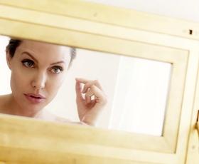 Angelina Jolie: Elle je zaupala, kaj je zanjo ženstvenost