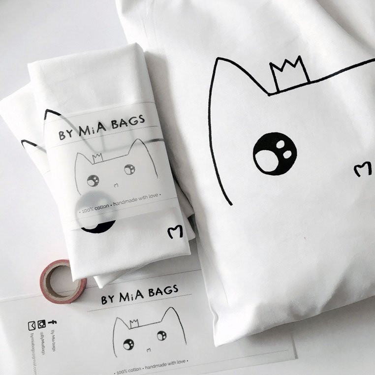 By Mia Bags