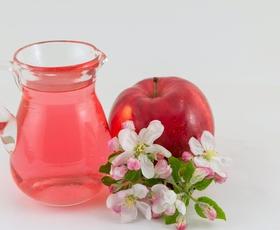 4 načini uporabe jabolčnega kisa v lepotni rutini