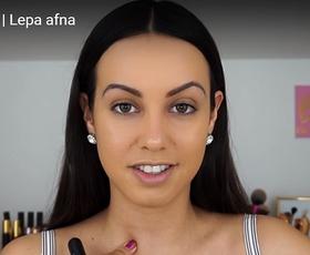 Z Lepo Afno na učni uri o podlagah za obraz