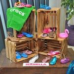 Nova Crocs kolekcija je barvna, trendi, udobna in idealna za poletje (foto: Luna \TBWA)