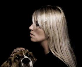 Neja Marčič: Njeni modni kosi izražajo svobodo in detajl